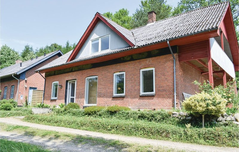 5 Zimmer Unterkunft in Randbøl, holiday rental in Hovborg