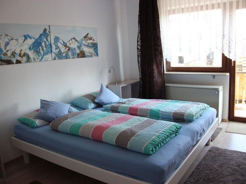 Ferienwohnung Säntis, 50qm, Balkon, 1 Schlafzimmer, max. 5 Personen, vacation rental in Stockach