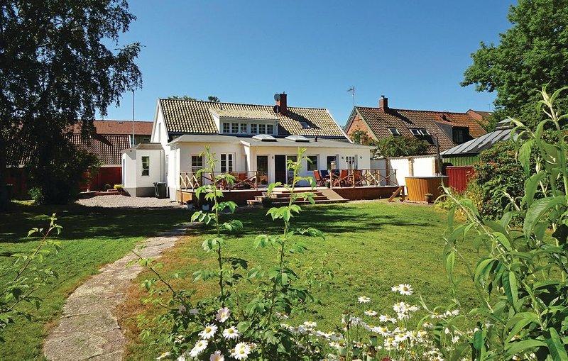 5 Zimmer Unterkunft in Höganäs – semesterbostad i Hornbaek