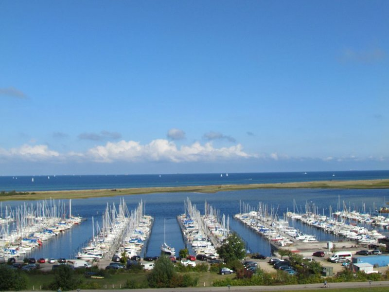 Panoramameerblick über den ganzen Yachthafen, holiday rental in Wendtorf