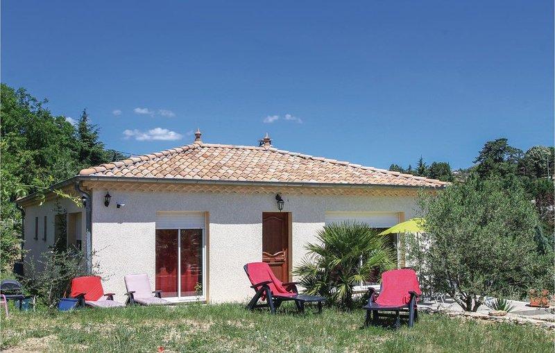 3 Zimmer Unterkunft in Aubenas, holiday rental in Saint-Sernin