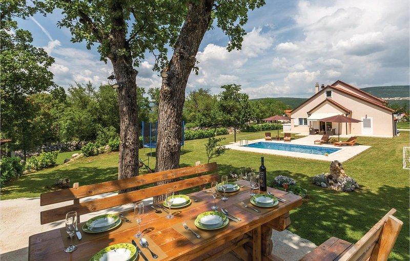 4 Zimmer Unterkunft in Vinjani Gornji, vacation rental in Imotski