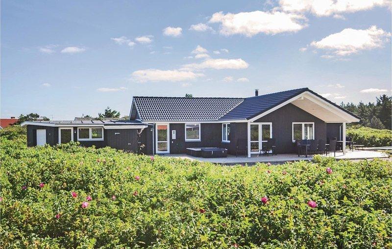 4 Zimmer Unterkunft in Vestervig, holiday rental in Hurup