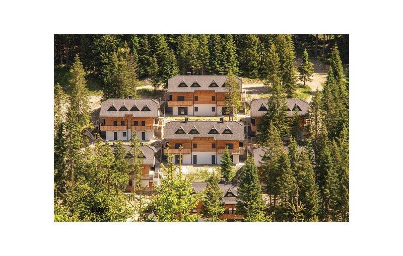 2 Zimmer Unterkunft in Mozirje, holiday rental in Ljubija