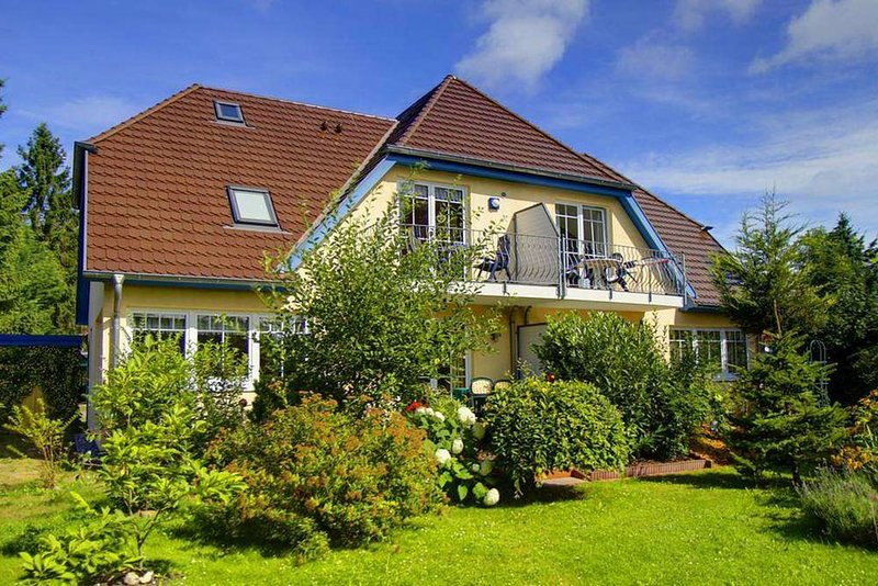 FeWo für 2 Pers. mit Süd-Balkon, WLAN und WaMa nahe Ortskern im Ostseebad Prerow, location de vacances à Ostseebad Prerow