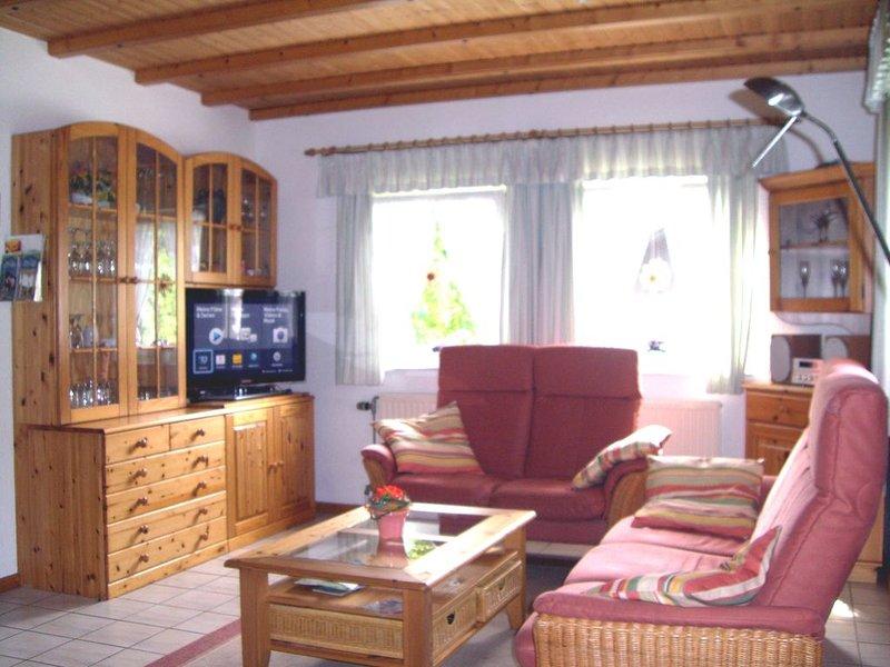 Modernes Komfort-Ferienhaus ****  mit Wlan- Internetanschluss, holiday rental in Thalfang