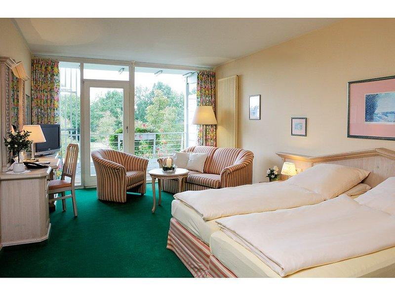 Appartement in optimaler Lage mit extragroßem Doppelbett, vacation rental in Eggenfelden