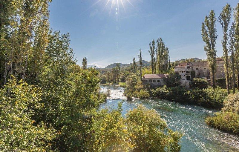 3 Zimmer Unterkunft in Blato na Cetini, holiday rental in Cista Provo