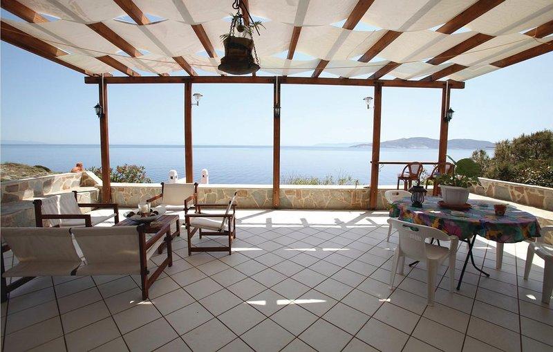 4 Zimmer Unterkunft in Keratea, vacation rental in Kaki Thalassa