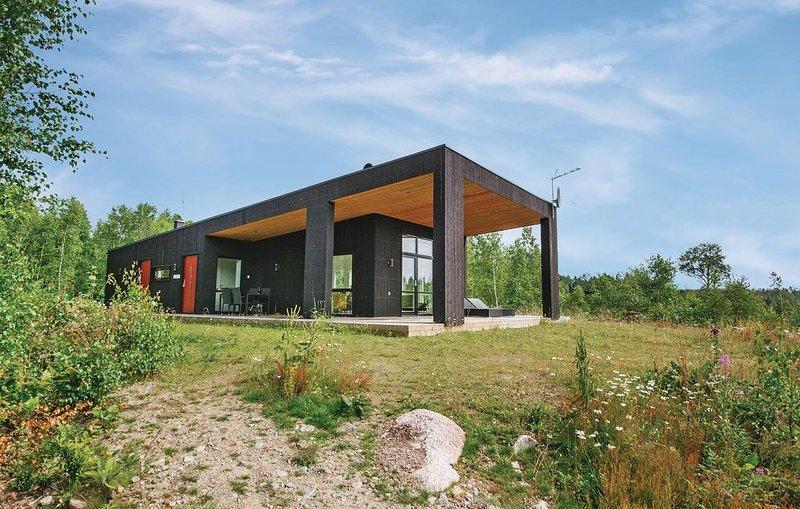 3 Zimmer Unterkunft in Holmsjö, holiday rental in Gullabo