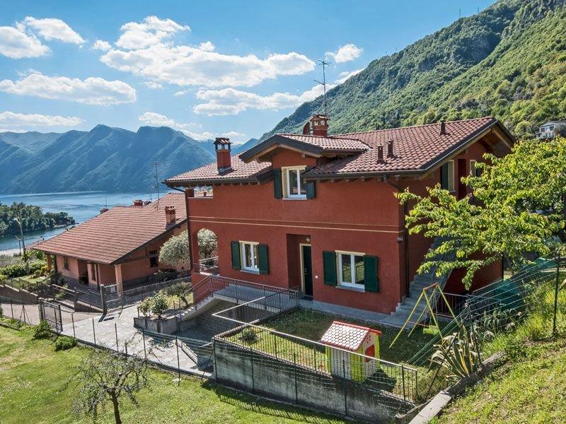 Bella Comacina SP Dach-Ferienwohnung, Ferienwohnung in Ossuccio
