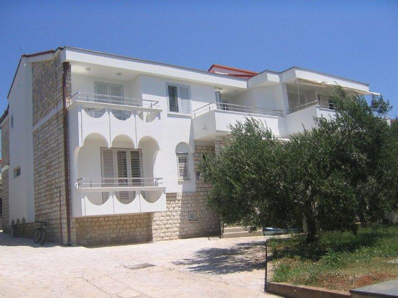 Appartements Galeb * * * *, Ferienwohnung 1, vacation rental in Prvic Sepurine