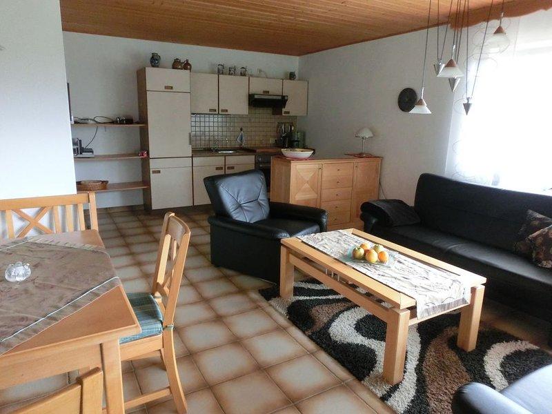 Ferienwohnung mit überdachter Terrasse in Riedenburg, holiday rental in Kelheim