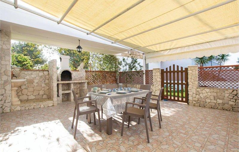 2 Zimmer Unterkunft in Manfredonia, holiday rental in Siponto