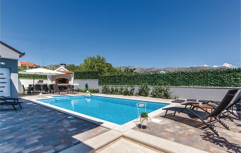3 Zimmer Unterkunft in Split, casa vacanza a Stobrec