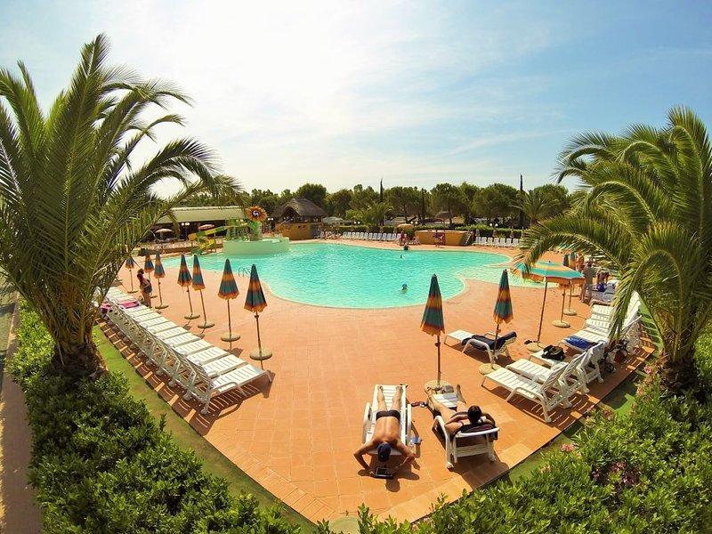 Ferienhaus - 6 Personen*, 24m² Wohnfläche, 2 Schlafzimmer, Internet/WIFI, vacation rental in Marina di Bibbona