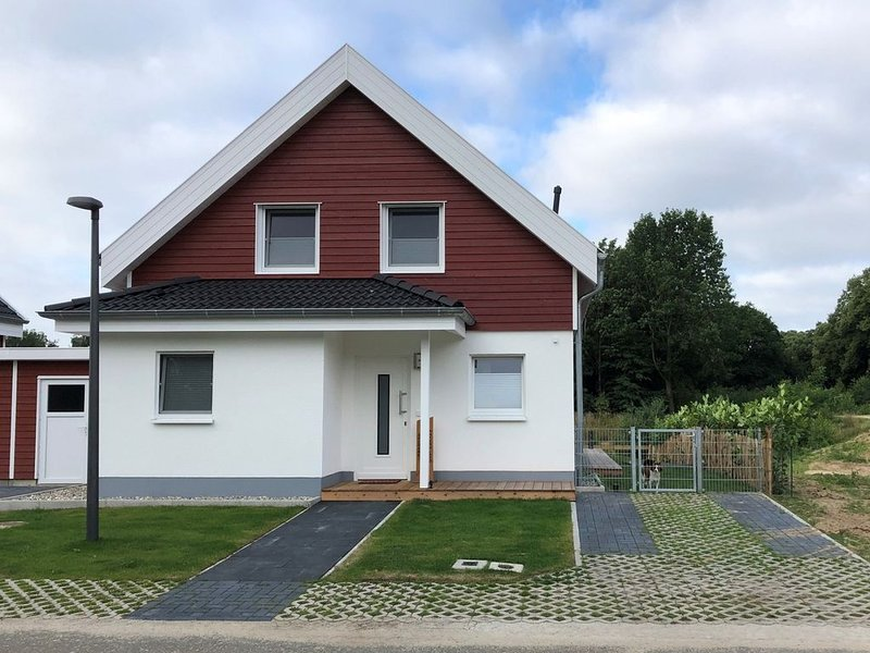 2 Schlafzimmer, Wellnessbad mit Whirlpool und Sauna, Kamin und Fußbodenheizung, location de vacances à Uelsen