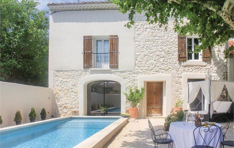 3 Zimmer Unterkunft in Vedène, holiday rental in Saint Saturnin les Avignon