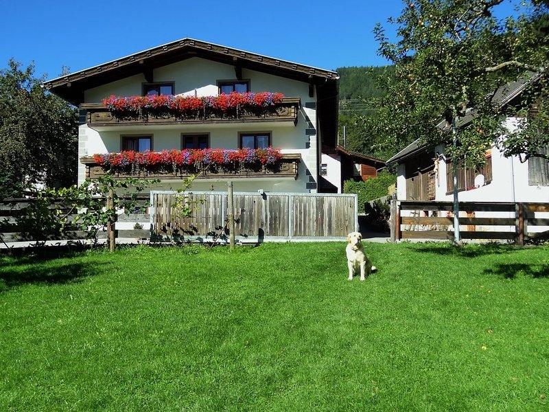 Notre maison avec un grand jardin (et chien)