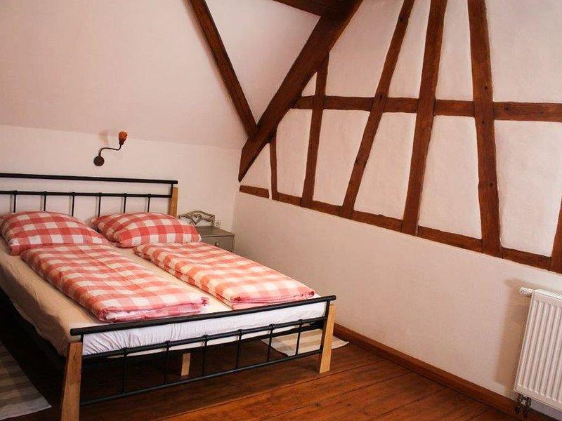 Ferienwohnung Burgzimmer, 60qm, 2 Schlafzimmer, max. 4 Personen, location de vacances à Hechingen