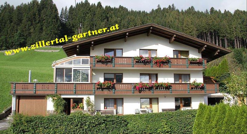 Familiengeführtes Gästehaus in ruhiger Lage, holiday rental in Ried im Zillertal