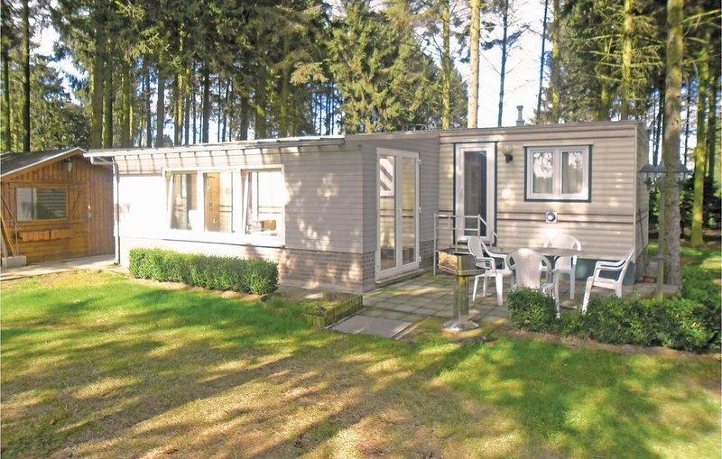2 Zimmer Unterkunft in Wachtebeke, vacation rental in Lokeren
