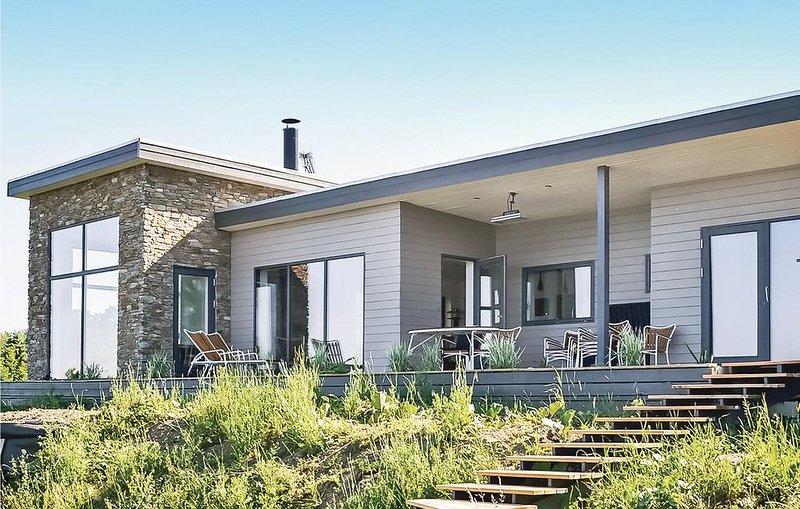 4 Zimmer Unterkunft in Allinge, vacation rental in Bornholm
