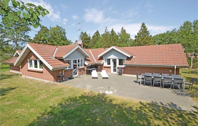 4 Zimmer Unterkunft in Blåvand, aluguéis de temporada em Blaavand