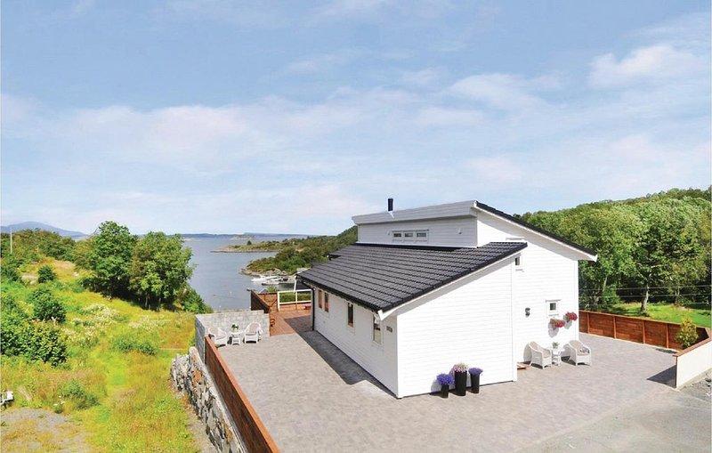 3 Zimmer Unterkunft in Sveio, holiday rental in Stord Municipality