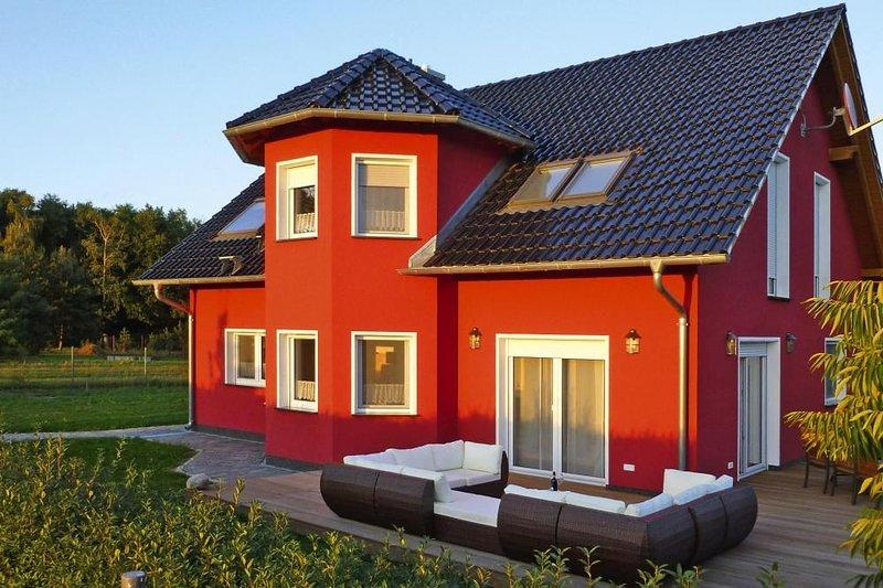 Ferienhaus Zum roten Adler, Storkow, holiday rental in Gross Koris
