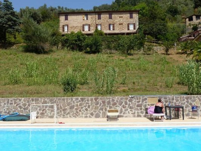 Rustico mit Pool, großem Garten. Schöne ruhige Lage., vacation rental in Nocchi