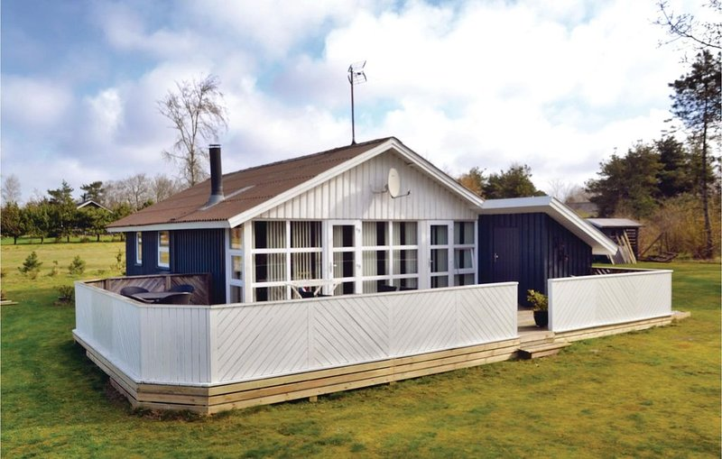 3 Zimmer Unterkunft in Oksbøl, holiday rental in Oksboel