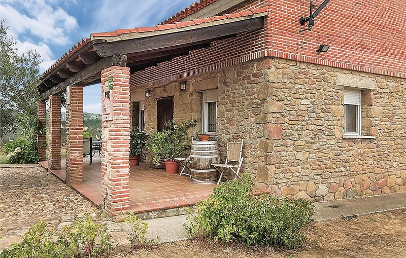4 Zimmer Unterkunft in Masueco, holiday rental in Urros