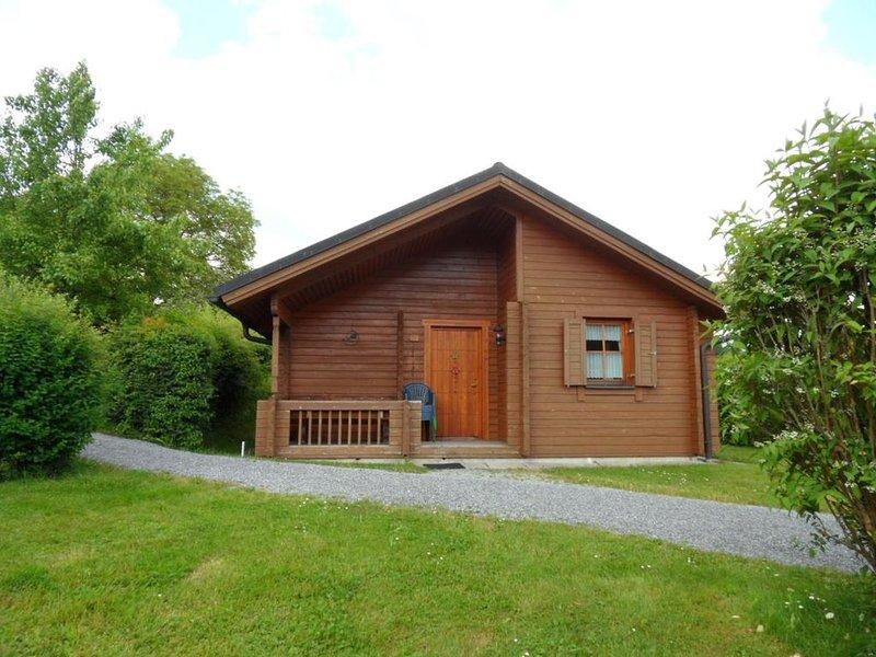 Ferienhaus Jägerpark Viechtach 23, Hallenbad, WLan und Energiekosten inklusive, vacation rental in Bogen