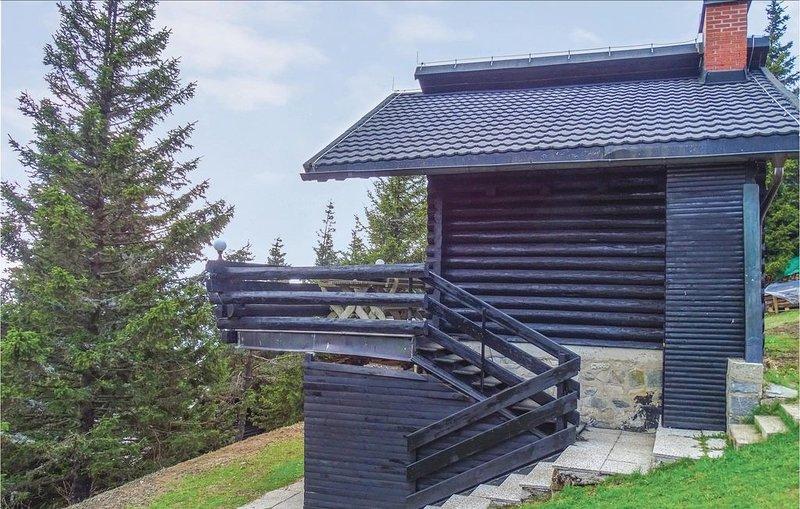 3 Zimmer Unterkunft in Smartno pri Sl.Gradcu, holiday rental in Eibiswald
