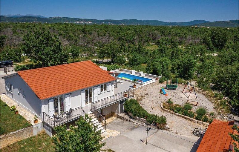 3 Zimmer Unterkunft in Sestanovac, holiday rental in Cista Provo
