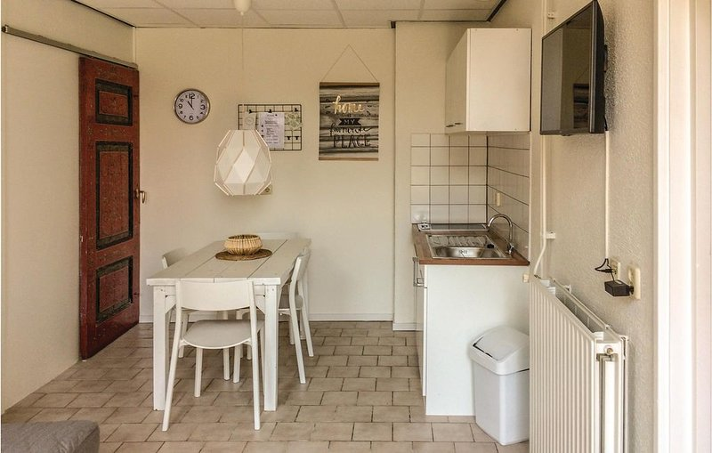 1 Zimmer Unterkunft in Hindeloopen, holiday rental in Warns