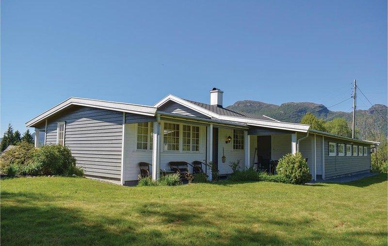 4 Zimmer Unterkunft in Etne, holiday rental in Vindafjord Municipality