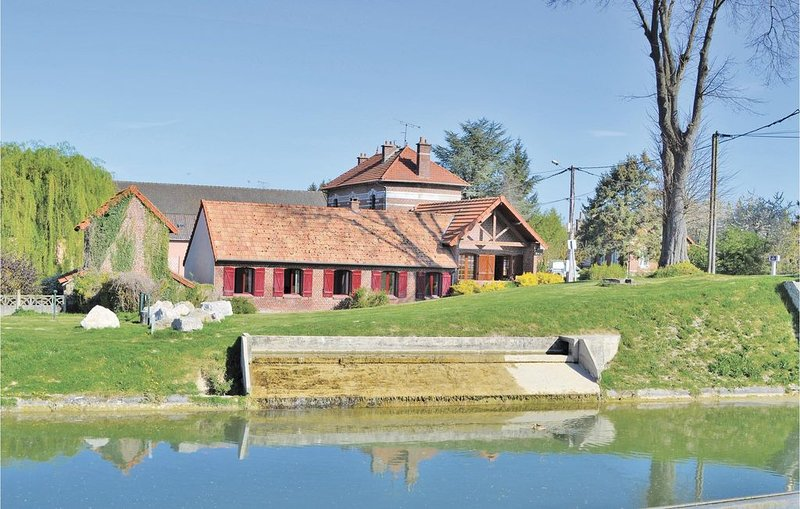 3 Zimmer Unterkunft in Frise, holiday rental in Courcelles-au-Bois