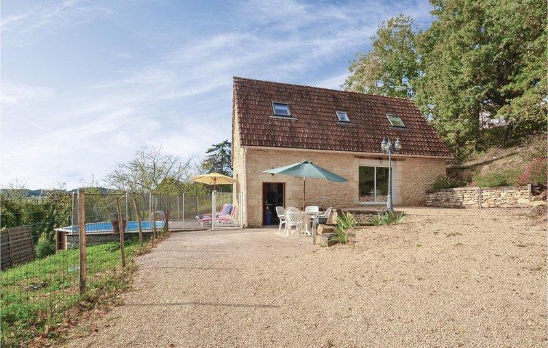 2 Zimmer Unterkunft in Aubas, vacation rental in Aubas