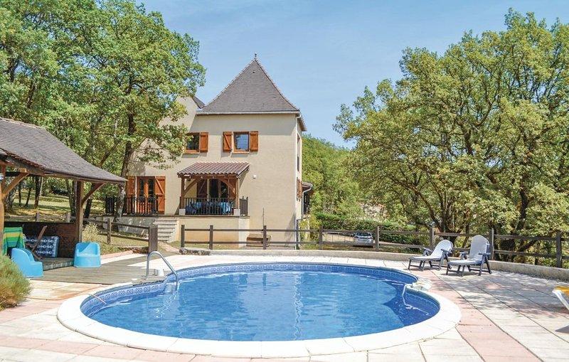 4 Zimmer Unterkunft in Montgesty, holiday rental in Nuzejouls