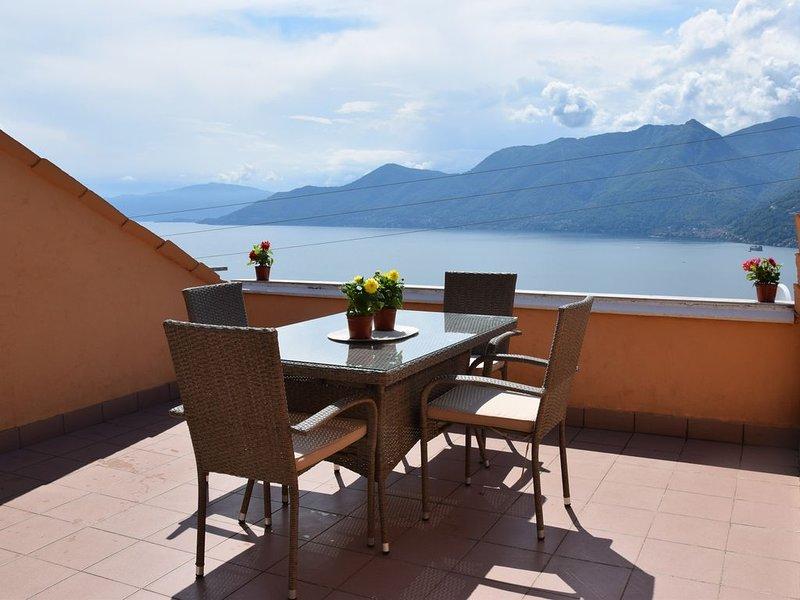 CASA ELENA - Eine Terrasse am Lago Maggiore, alquiler de vacaciones en Poppino