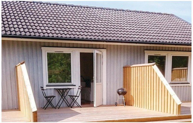 1 Zimmer Unterkunft in Fårösund, holiday rental in Gotland