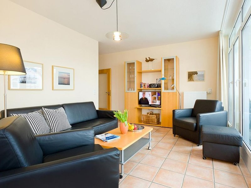 Strandnähe-2 Raum-Ferienwohnung mit Balkon im Zentrum von Binz-Villa Hildegard-A, holiday rental in Ostseebad Binz