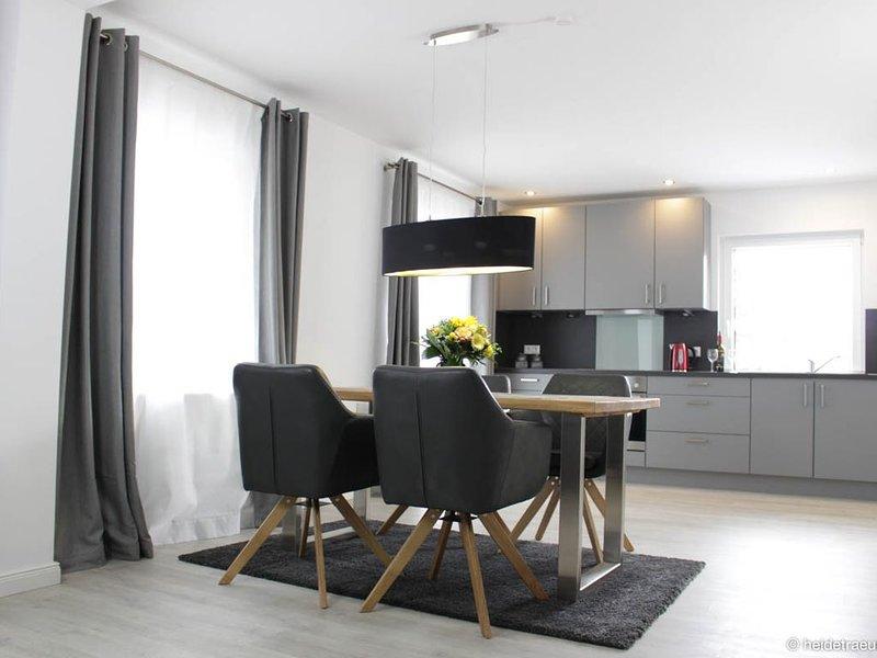 Heideträume Appartements 'Sonnenanbeter', Terrasse, Naturschutzgebiet, location de vacances à Undeloh