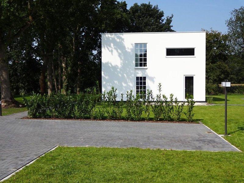Moderne, gemütliche Ferienwohnung, Neubau, 77 m², Sauna, holiday rental in Worpswede
