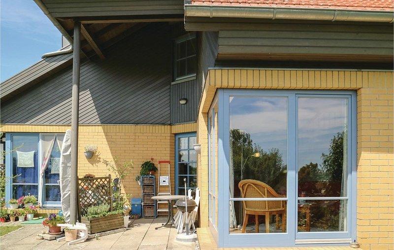 1 Zimmer Unterkunft in Wolgast, holiday rental in Zussow