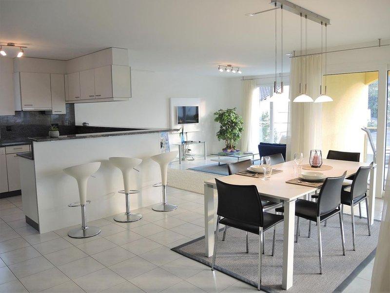 Erstklassiges Appartement nahe dem Golfplatz und dem Hafen von Ascona, casa vacanza a Lago Maggiore