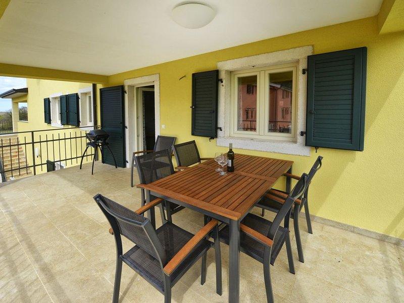 Villa Aurelia Haus2 in Porec mit privatem Pool, holiday rental in Fuskulin