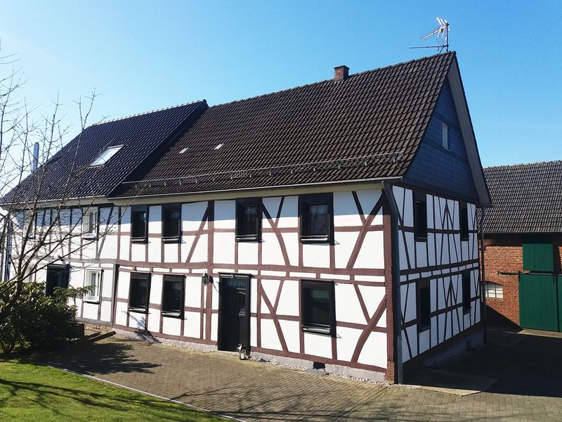 Gräfrath Gästehaus Neunkirchen-Seelscheid, holiday rental in Overath